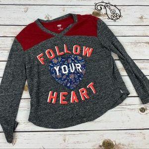 Old Navy T-Shirt Girls 8 Gray Heart Long Sleeve